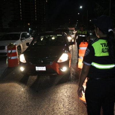Timbra la caja por el alcoholímetro en Cancún durante el 'buen fin'; mandan al 'Torito' a 63 personas