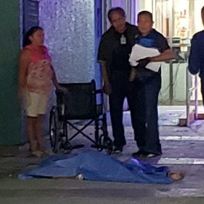 Tras fallecimiento de mujer afuera del IMSS, se rumora despido de médico en Cozumel
