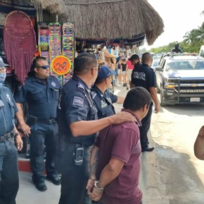 Detienen a 19 personas por vender en vía pública sin permisos durante operativo en Cozumel