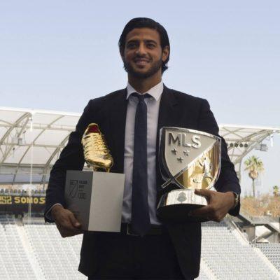 Reconoce la MLS valía de Carlos Vela; recibe el galardón 'MVP Landon Donovan'