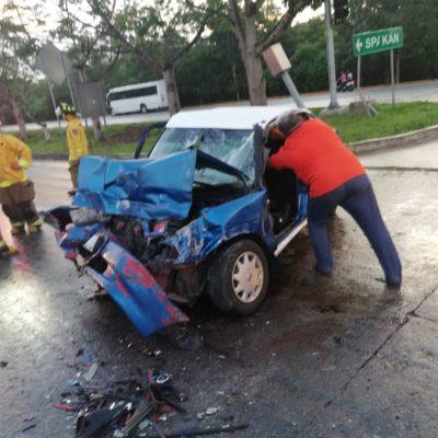 INICIA LA SEMANA CON CARRETERAZO: Muere taxista yucateco al ser impactado por un autobús en la entrada sur de Playa del Carmen
