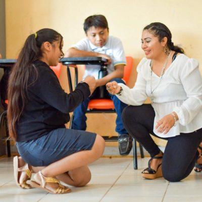 Pláticas entre estudiantes de secundaria para evitar violencia en el noviazgo
