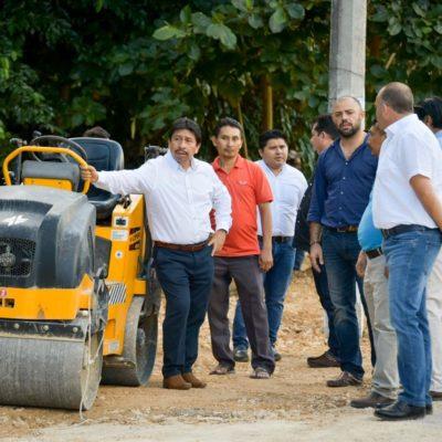 Víctor Mas Tah verifica obras en la cabecera municipal y comunidades de Tulum