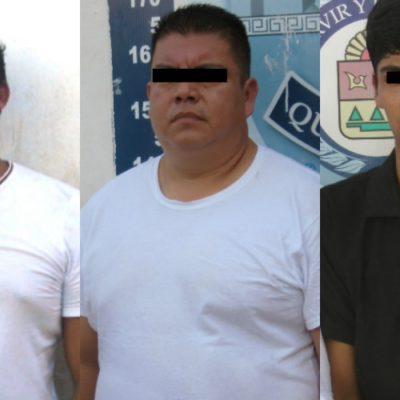 Detienen en flagrancia a tres sujetos armados que utilizaban taxi para cometer atracos en Cancún
