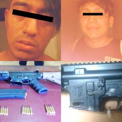Detienen a dos sujetos armados en Cozumel y los trasladan a Cancún