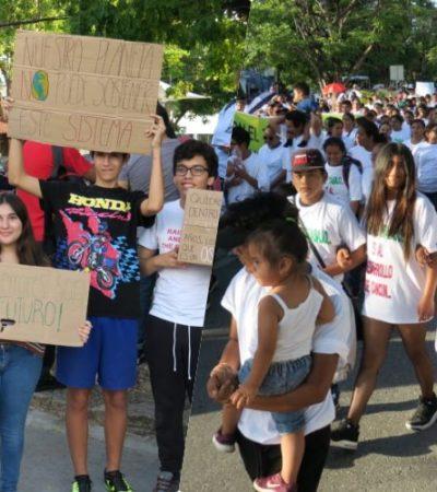 SE CRUZAN MANIFESTANTES A FAVOR Y EN CONTRA DEL GRAND ISLAND: Organizan protestas sobre proyecto polémico en zona hotelera de Cancún