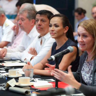 Participa Laura Fernández en foro sobre aprovechamiento del sargazo