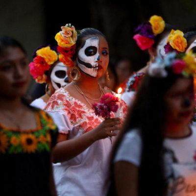 Se suman niños, jóvenes, adultos y personas de la tercera edad a las diversas actividades del Hanal Pixán en Puerto Morelos