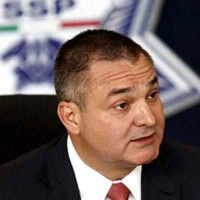 Acusan a García Luna de recibir millones de dólares en sobornos para proteger a 'El Chapo'