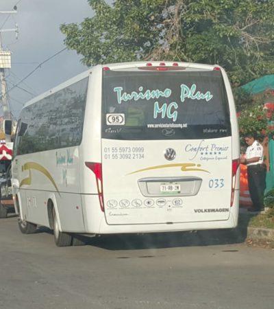 Autobús lleno de turistas choca en Chetumal