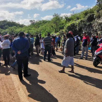 PACTAN LEVANTAR BLOQUEO CARRETERO EN JMM: Acuerdan autoridades pagar en mensualidades deuda de 32 mdp con ex trabajadores en pie de lucha
