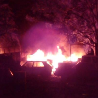 Se incendia corralón en Bacalar