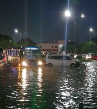 Lluvias provocan encharcamientos severos en diversas avenidas de Cancún