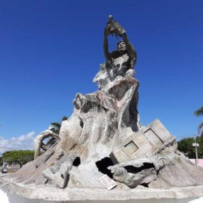 Monumento al Renacimiento en riesgo de colapsar por robo de estructura metálica y falta de mantenimiento en Chetumal