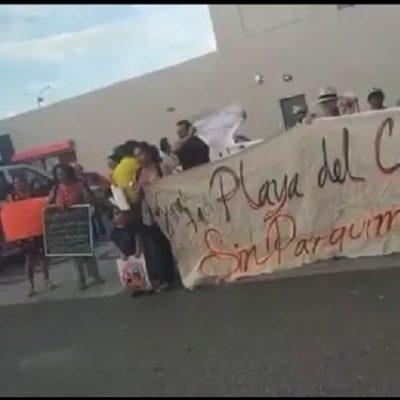 Marchan cerca de 40 personas contra parquímetros en Playa del Carmen