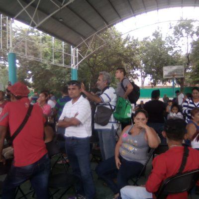 """""""¡LA GENTE QUIERE COMIDA, YA ESTÁ MOLESTA!"""": 'Acarreados' del Fuerza Social estallan por falta de pago en Tulum"""