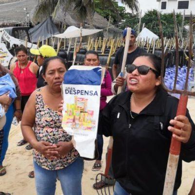 Se manifiestan nuevamente empleados de Grupo Arco por adeudo de quincena en Playa del Carmen