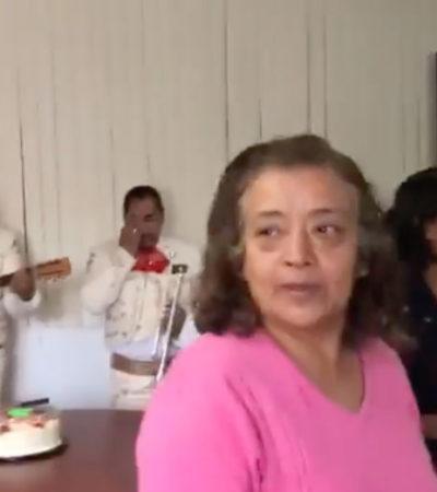 Celebra fiscal regional de Chiapas 'fiestota' navideña en sus oficinas