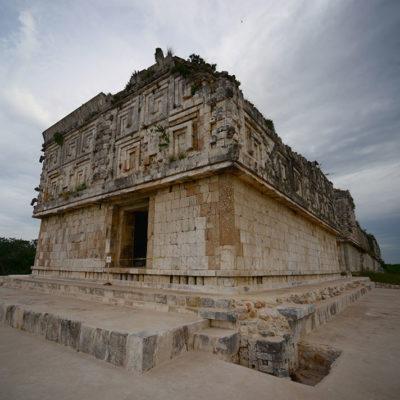 Descubren pasaje secreto en el Palacio del Gobernador en la Zona Arqueológica de Uxmal