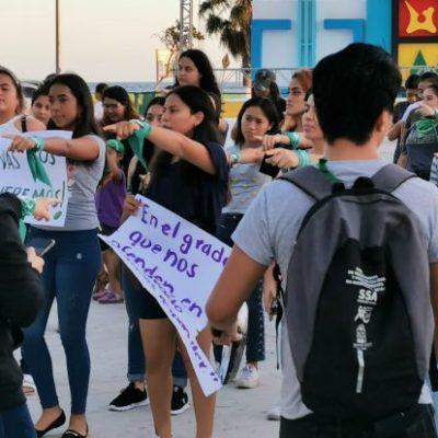 Feministas en Chetumal se manifiestan para exigir alto a la violencia y discriminación contra mujeres