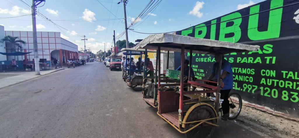 Tricitaxistas se ven rebasados por crecimiento de mototaxis en José María Morelos
