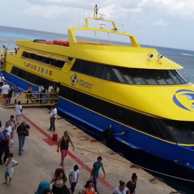 Continúa la pugna por bajar el precio de los cruces de Cozumel-Playa del Carmen