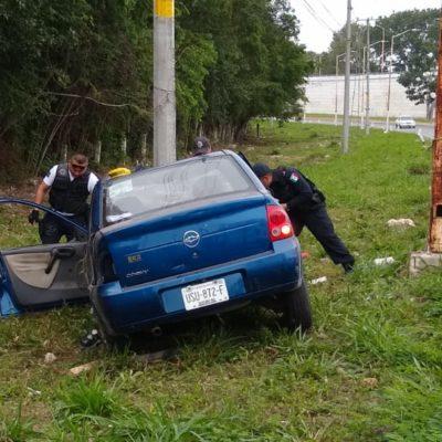 Choca contra poste en Chetumal por ir alcoholizado
