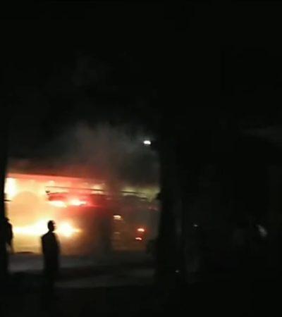 Se incendia bodega de joyería en Cozumel