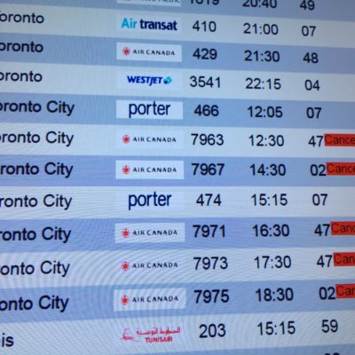 Mal tiempo cancela o retrasa 28 vuelos Cancún-Canadá