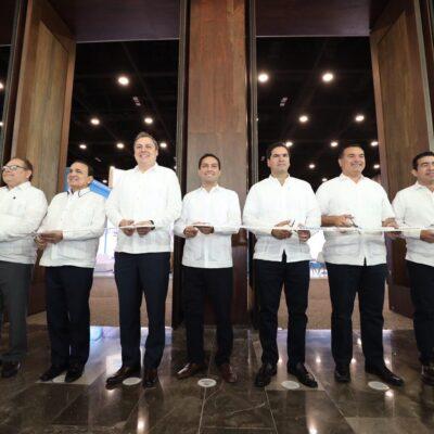 Inaugura Mauricio Vila la Expo Foro de Energía Yucatán 2020