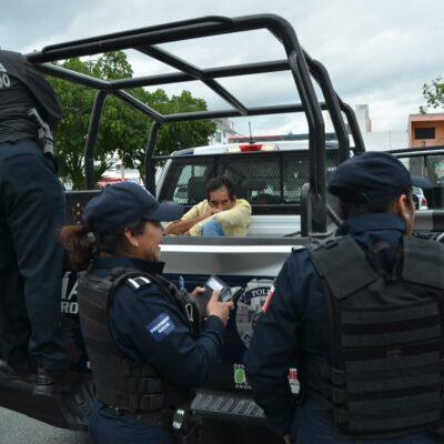 Sorprenden a ladrón en estacionamiento de plaza comercial de Cancún