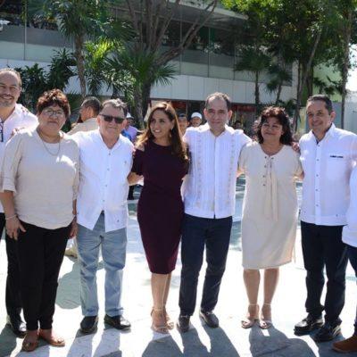 """Secretario de Hacienda federal recorre la zona de """"El Crucero"""" durante su visita a Cancún"""