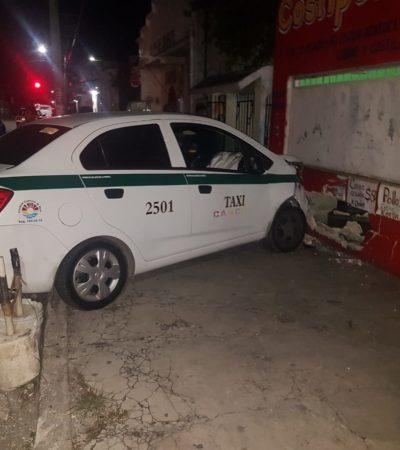 Choca taxi contra una barda en Cancún y conductor se fuga