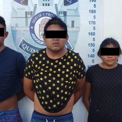 Detienen con armas y marihuana a dos hombres y una mujer y se les vincula con asalto a una notaría en Cancún