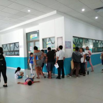 Acuden derechohabientes del Seguro Popular al Hospital General de Cancún para darse de alta en el Insabi