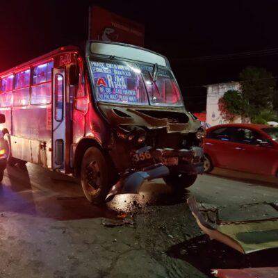 ENCONTRONAZO DE AUTOBUSES EN CANCÚN: Cafres del servicio público dejan saldo preliminar de más de 20 lesionados en la avenida Nichupté