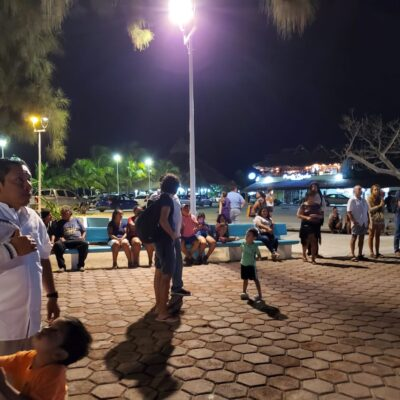 Montan plantón en Puerto Morelos para oponerse a proyecto de remodelación del casco antiguo