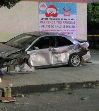 Muere una persona al chocar su automóvil contra taxi en la avenida Leona Vicario de Cancún