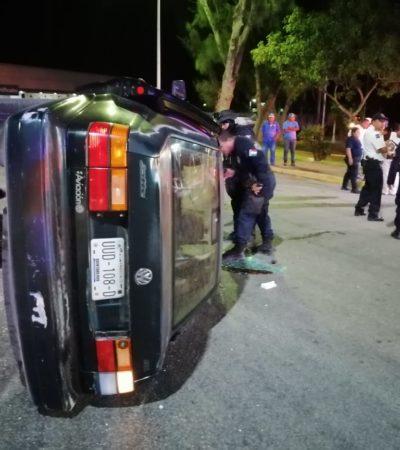 Salva la vida en accidente, pero es detenido por la policía