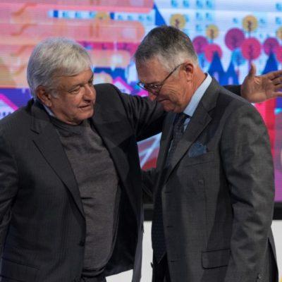 Confirma AMLO que ya se investigan deudas de Salinas Pliego al SAT; no habrá condonación, asegura