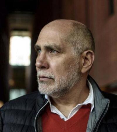 Gana Guillermo Arriaga el Premio Alfaguara 2020 con su novela 'Salvar el Fuego'