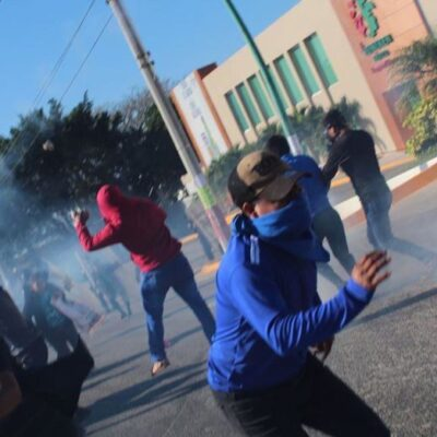 Dos policías detenidos luego de enfrentamiento en Chiapas; también se investiga a normalistas