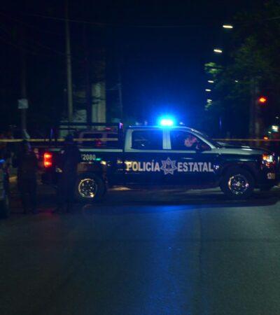 Supuesto ataque a una patrulla deja como saldo una mujer policía lesionada al chocar contra un poste