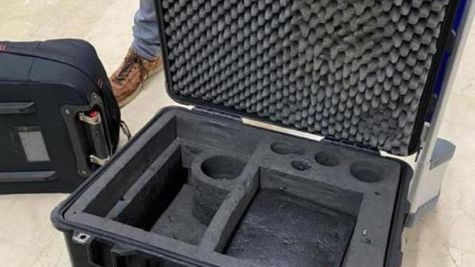 Denuncian robo de equipo a cineasta español al aterrizar en vuelo de Interjet en el aeropuerto de Cancún