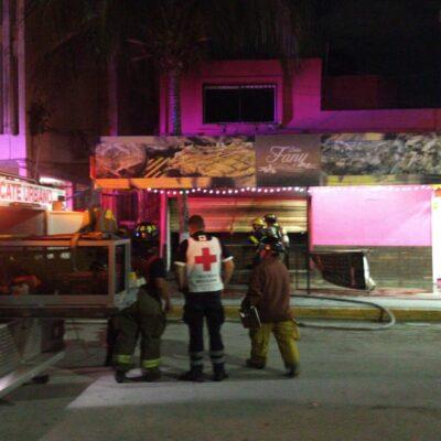 Sofocan incendio en restaurante frente al Mercado 28 de Cancún