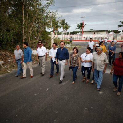 Entregan obras de pavimentación y electrificación en la colonia Maravilla de Cozumel