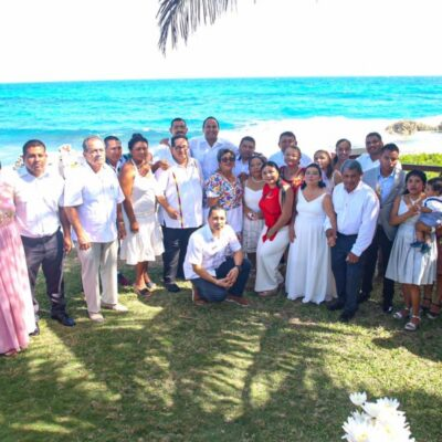 """Festejan 11 matrimonios en """"Bodas Colectivas 2020"""" en Isla Mujeres"""