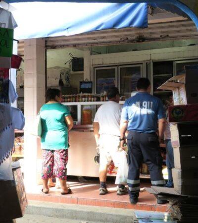 """""""SON CINCO CASOS NADA MÁS"""": Cobro de derecho de piso ha ocasionado baja de vendedores ambulantes en Cancún, admite director de Comercio"""