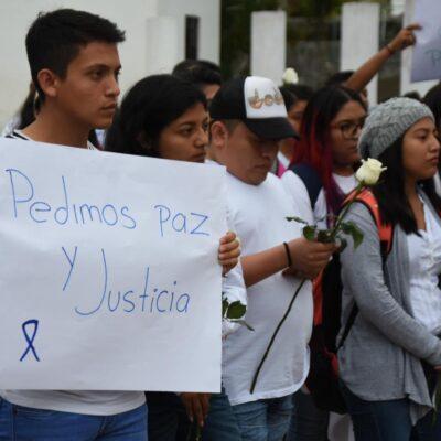 Con marcha de silencio piden esclarecer asesinato de dos estudiantes en Carrillo Puerto