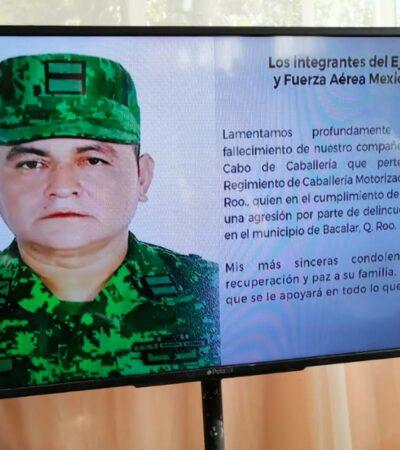 Rinden homenaje a soldado caído durante tiroteo con narcos que resguardaban avioneta con droga en el sur de QR; comandante herido reaparece, pero evade a la prensa